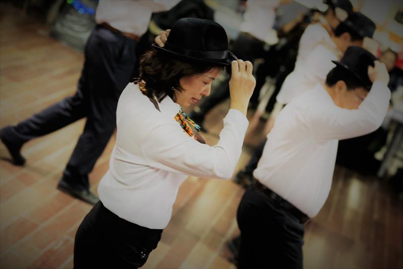 图片12帽子舞