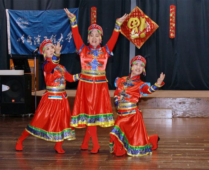 图片18蒙古舞