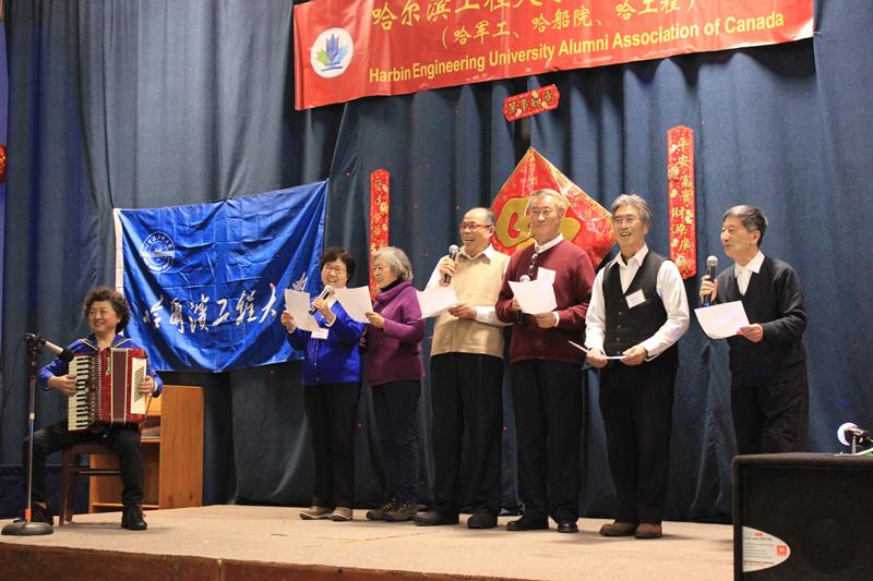 图片21 军工老师合唱